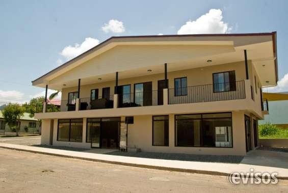 Se vende edificio de locales comerciales y apartamentos en turrialba