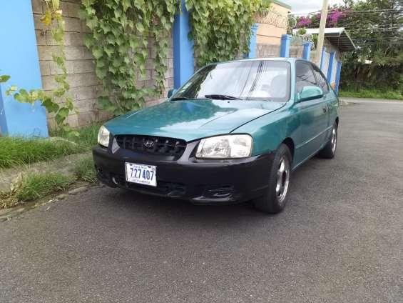 Se vende hyundai accent 2000 manual 2 puertas