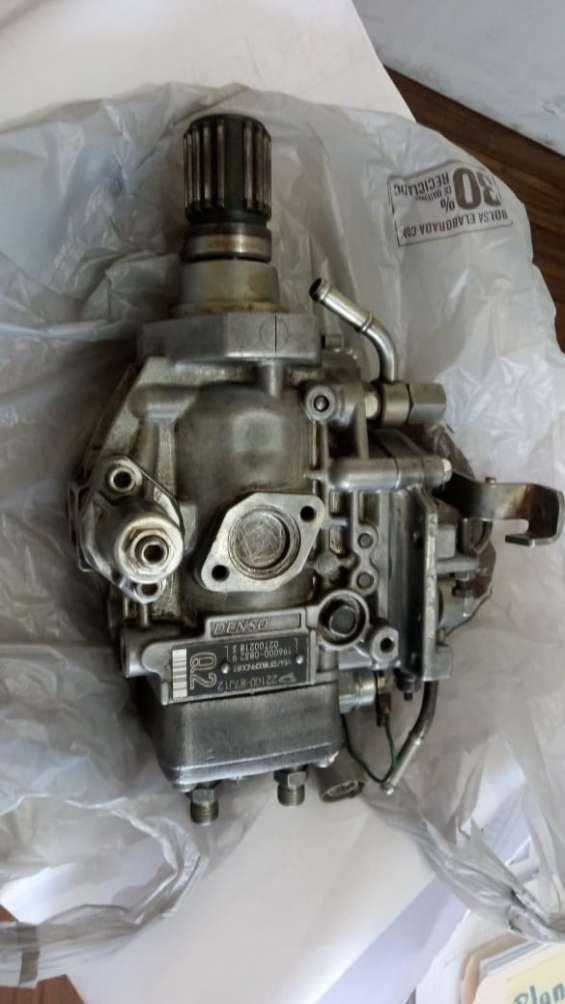 Bomba de inyeccion e inyectores para motor 4b, daihatsu delta