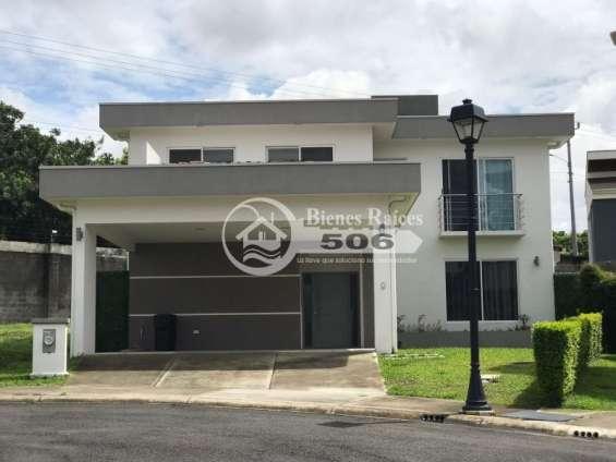 Casa como nueva condominio francosta barreal heredia #1646